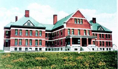Hiawatha Insane Asylum.jpg